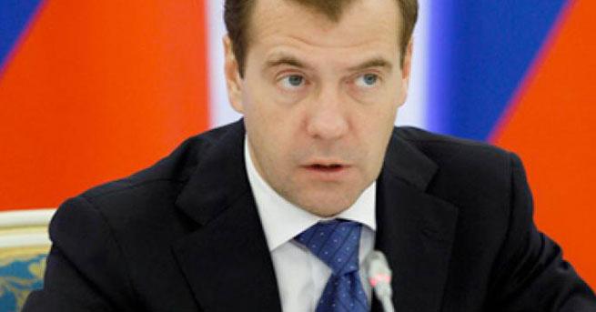 Medvedev'den NATO'ya KKTC sorusu