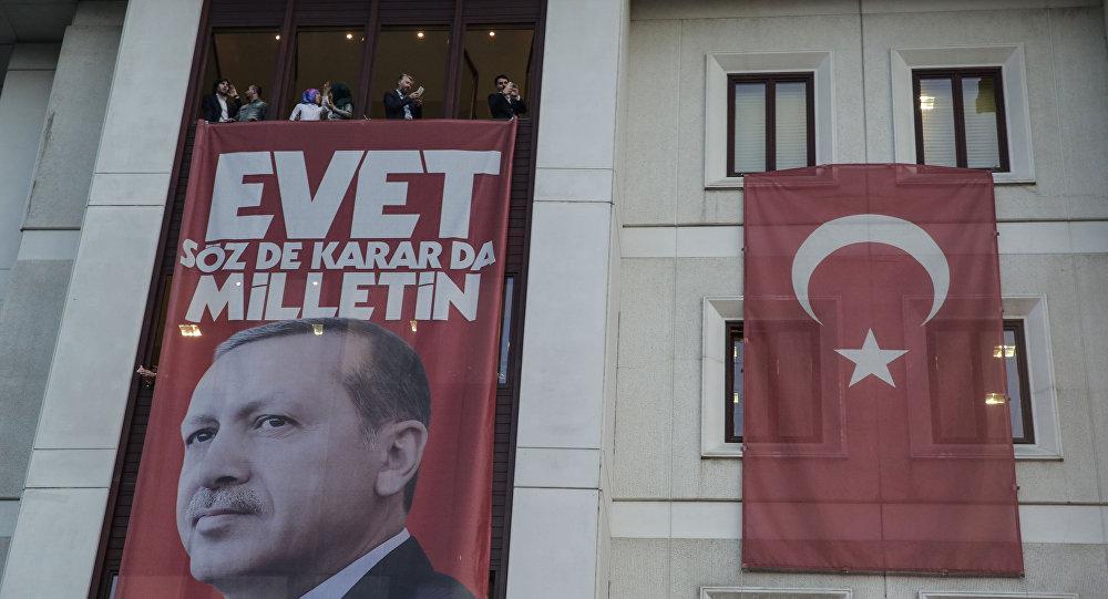 Yeni Şafak yazarı Tuna: Gırtlağına kadar FETÖ'ye batmış, gevşek ve endişeli AKP'liler için hesap verme zamanı