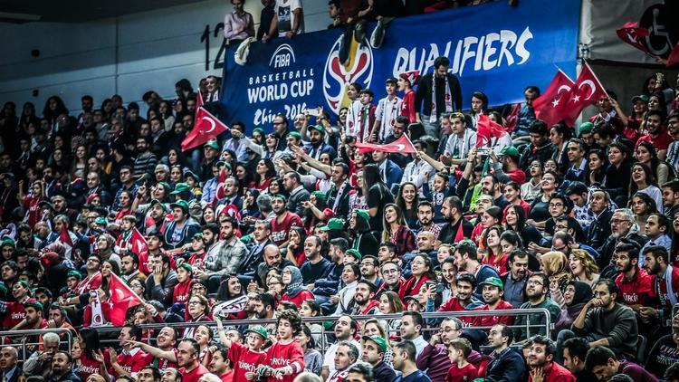 FIBA'dan taraftarlara ve Semih'e övgü!