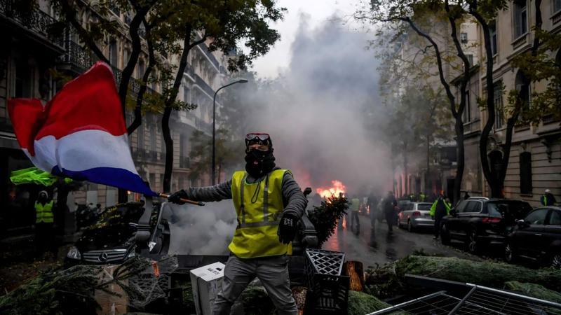 Paris'te sıcak Cumartesi: Büyük eylem başladı