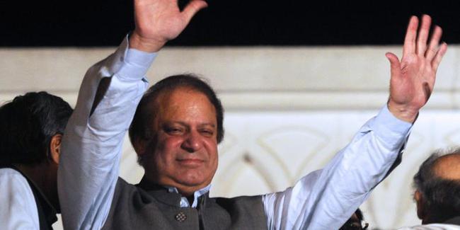 Pakistan eski başbakanı Navaz Şerif cezaevinden çıkarıldı