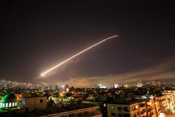 ABD Suriye'ye Saldırdı