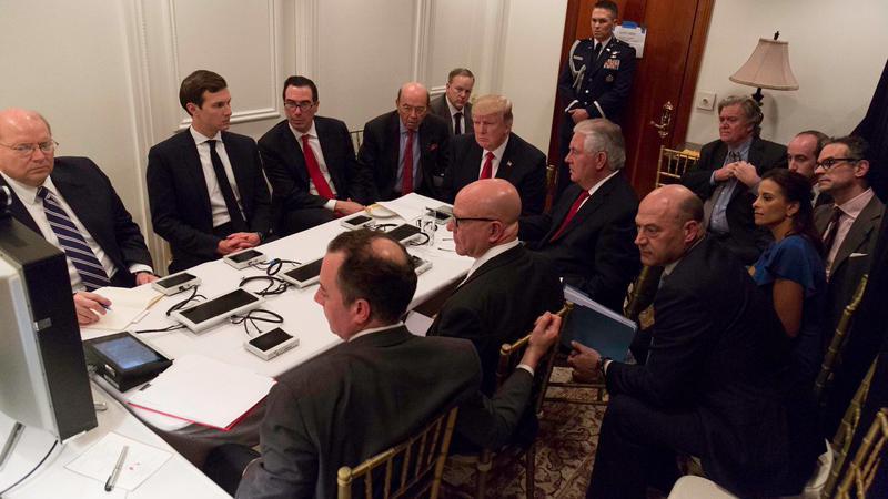 Trump Suriye saldırısını bakanlarla seyretmiş
