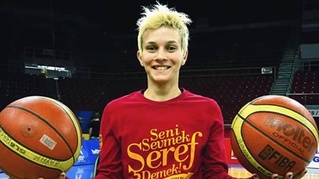 Işıl Alben'den jeneriklik bir son saniye basketi!