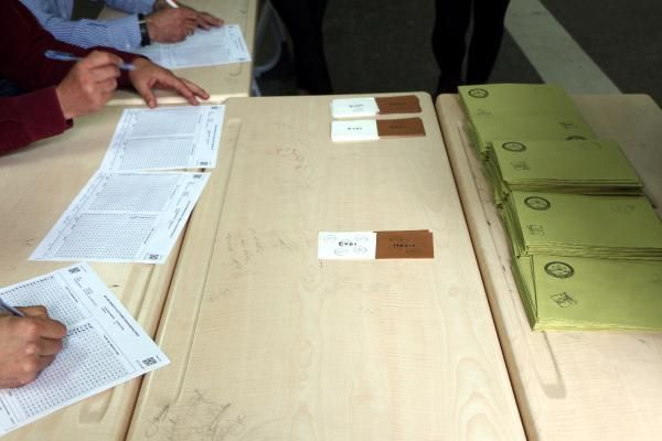YSK 'mühürsüz oyların geçerli sayılması'nın gerekçesini açıkladı ...