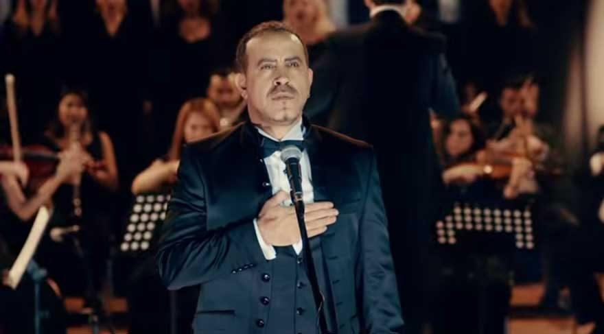 Haluk Levent'ten sosyal medyayı ayağa kaldıracak İzmir Marşı performansı!