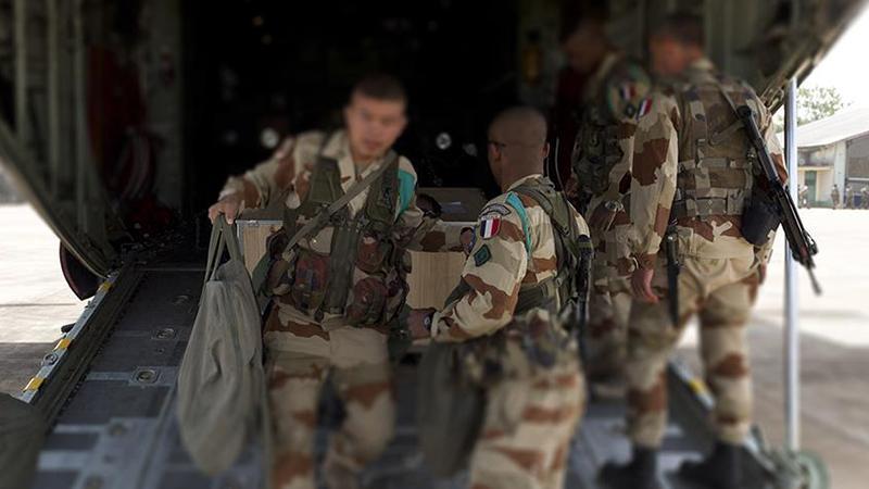 Fransız askerlerinden YPG/PKK'ya topçu desteği