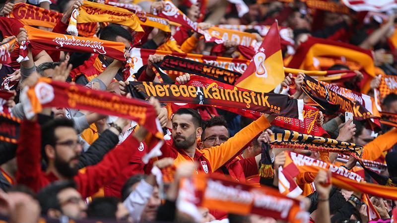 Galatasaray taraftarından 'Mustafa Kemal'in askerleriyiz' sloganı