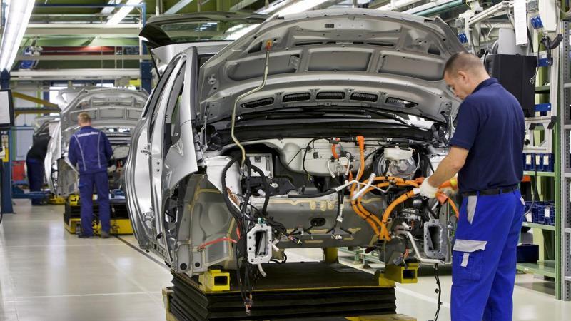 Rus otomobil üreticileri, Türkiye'yle ticarette dolar kullanmayacak