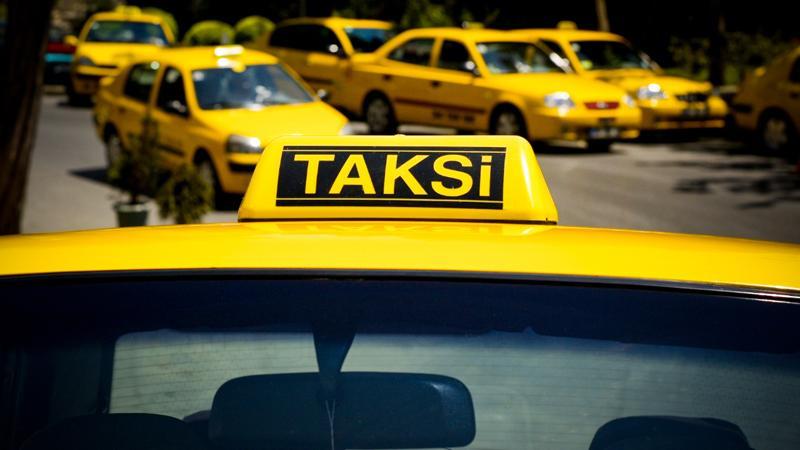 Atatürk Havalimanı'nda lüks taksi dönem