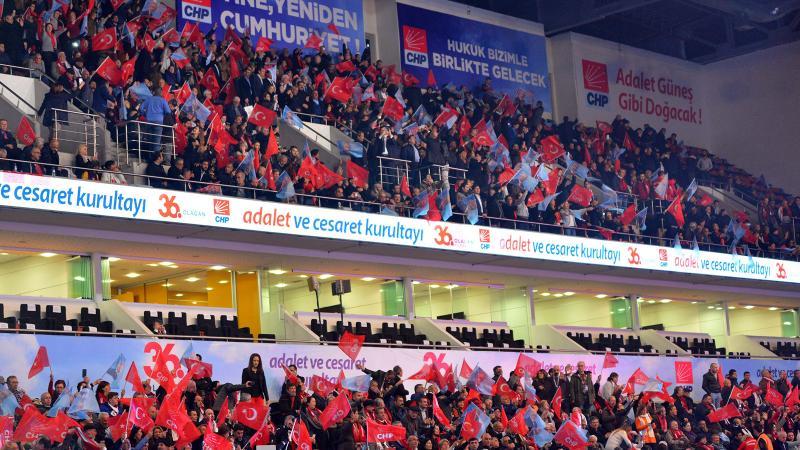 CHP kurultayı toplandı: Kemal Kılıçdaroğlu ve Muharrem İnce yarışıyor...