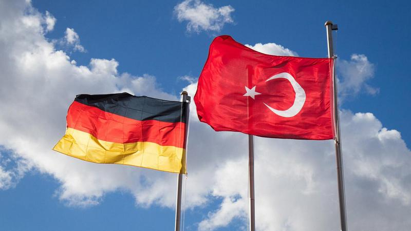 Almanya'dan Türkiye'ye iki önemli adım