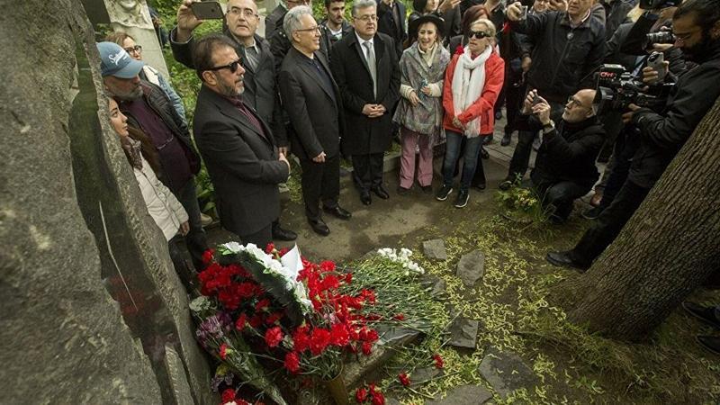 Nazım Hikmet, Moskova'daki mezarı başında anıldı