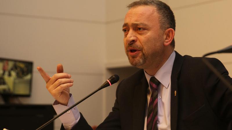 Ümit Kocasakal CHP Genel Başkanlığı'na aday oluyor
