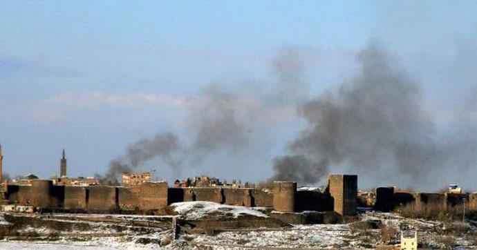 Suriye'de kontrol noktasında bombalı saldırı
