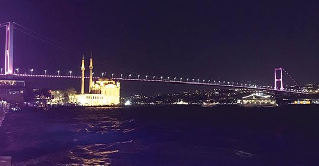 Bosphorus Bridge illuminated in pink for women cancers