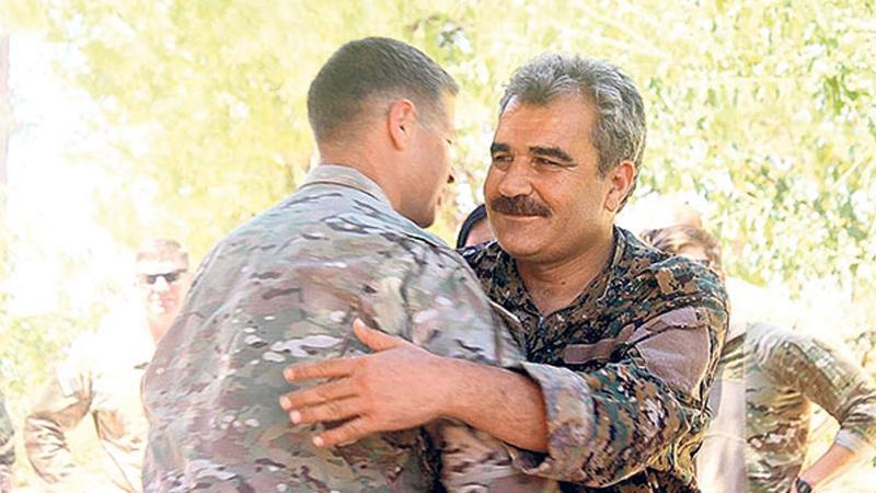 ABD'li generalden YPG'li teröristlere veda ziyareti