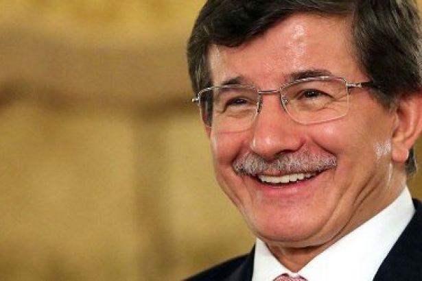 'Türkiye, Suriye'de terör örgütlerine destek verdi' diyen Barlas, topu Davutoğlu'na attı