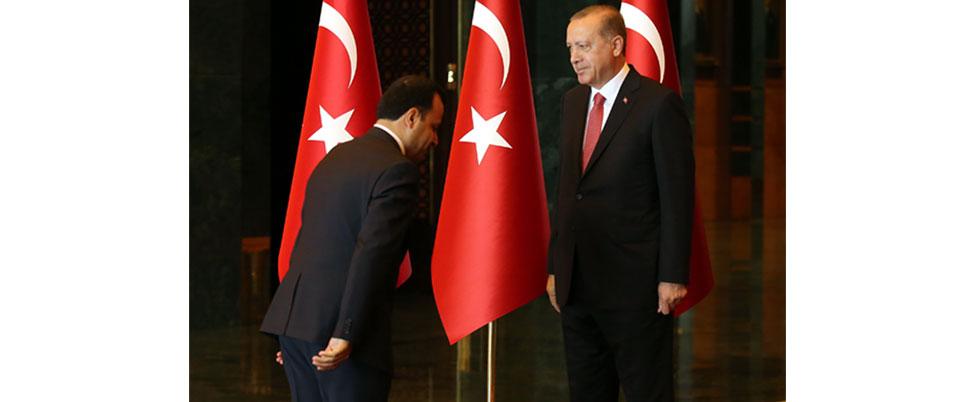 AYM Başkanı'ndan 'O' fotoğrafa açıklama