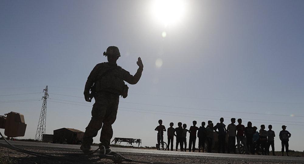 Rus uzman: ABD, olası bir Suriye saldırısında Kürtlerin kontrolündeki bölgelerdeki üslerini kullanabilir