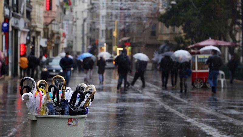 İstanbul'da hava sıcaklığı 15 derece birden düştü