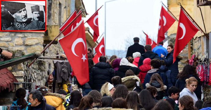 Her yer Atatürk, her yer Türk bayrağı