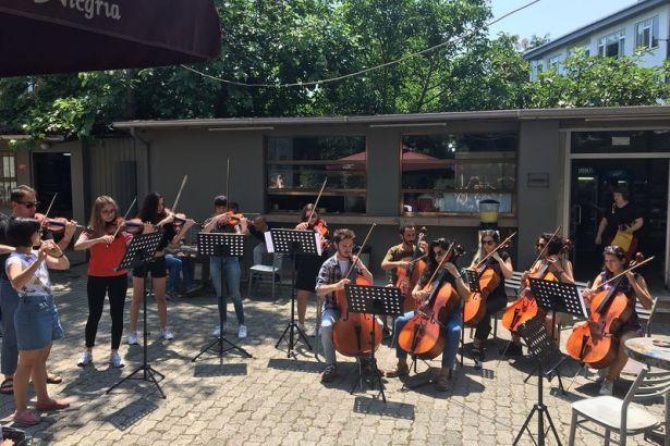 Marmara Üniversitesi Müzik Bölümü'nün kapatılması protesto edildi