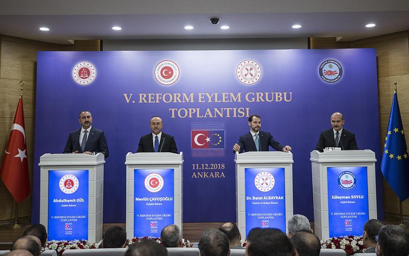 Çavuşoğlu'ndan ABD Genelkurmay Başkanı'na yanıt: PKK/YPG'yi eğitmek bölgeye ihanettir!