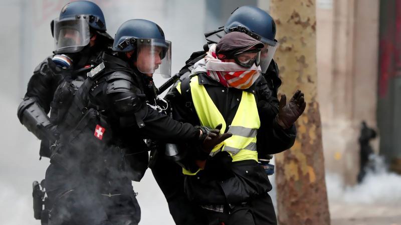 Paris'te günün gözaltı bilançosu: 37