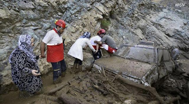 IRNA: Doğu Azerbaycan'da sel 18 can aldı