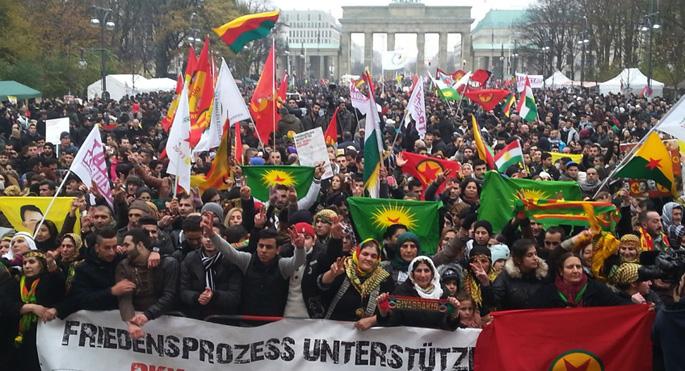 PKK yanlıları Almanya'da polisle çatıştı