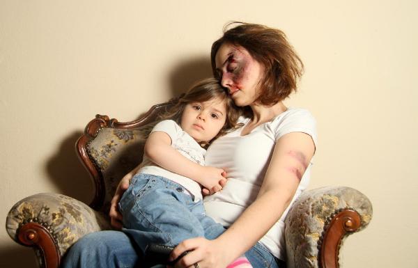 Kadına şiddet Ak Parti zamanında artış gösterdi